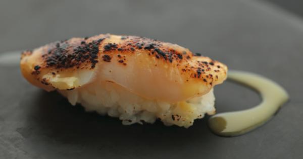 sushi stjacques Joël Robuchon signe la nouvelle carte Sushi Shop 2014