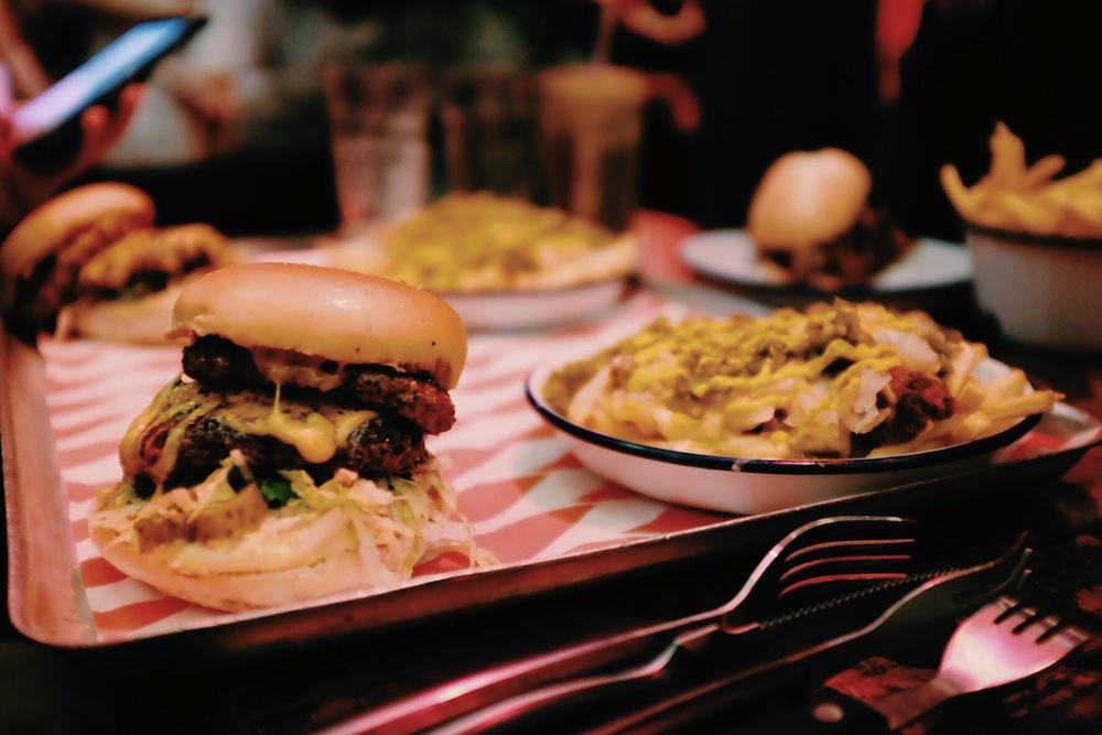 MEATmission à Londres : Manger un burger dans une cathédrale