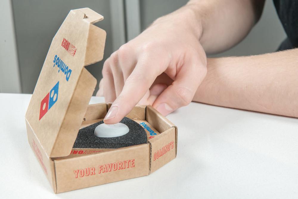 Commander une pizza *Domino's* grâce à un bouton