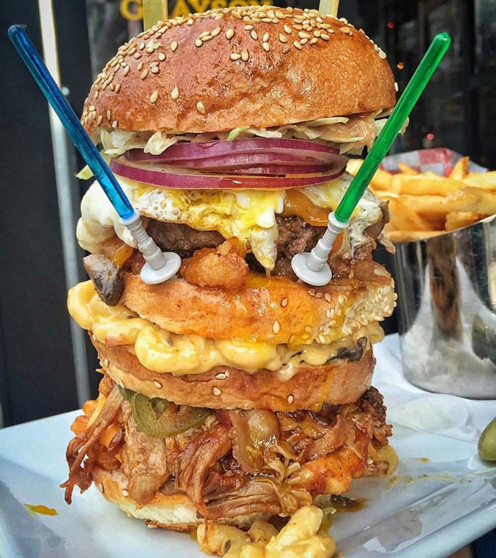 Le plus FAT des burgers réalisé pour la sortie de Star Wars