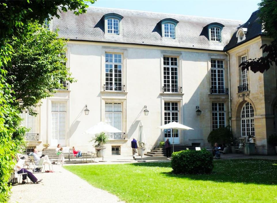 Top 5 lieux paris pour d jeuner au printemps fastandfood for Jardin lazare rachline rue payenne paris 3eme