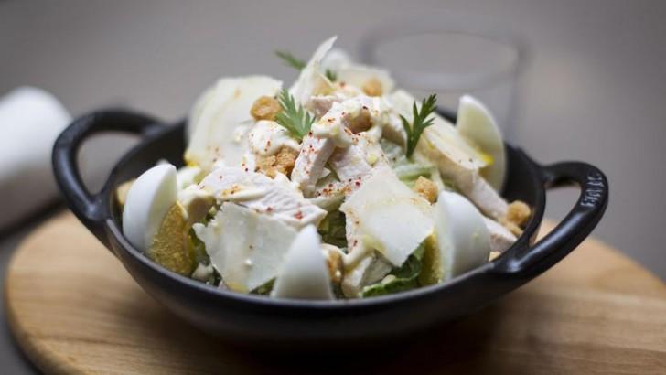 TOP : 5 salades Caesar à savourer à Paris