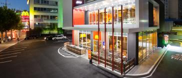 McDonalds_Store_FASTANDFOOD