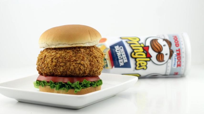Découvrez ce cheeseburger aux Pringles