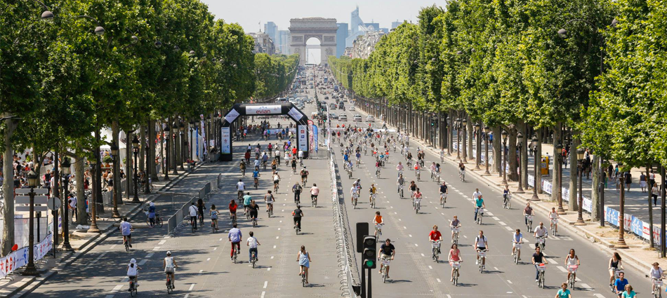 Les 24h Vélib' : les Food Trucks se garent sur les Champs Elysées