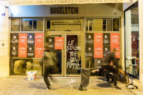 Bagelstein se fait attaquer par des féministes