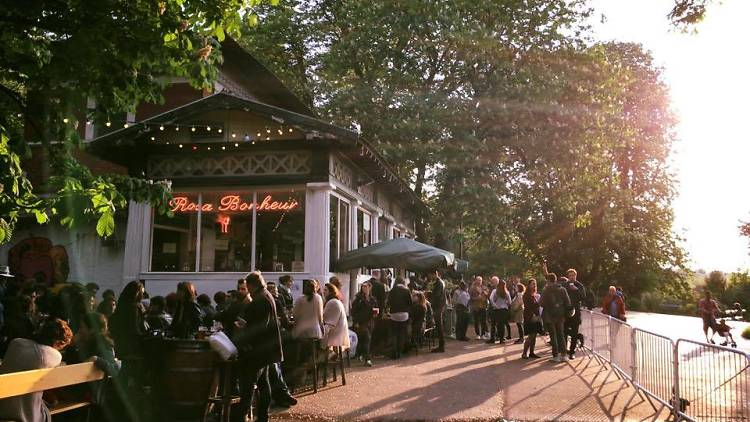 Le Rosa Bonheur lance son festival africain aux Buttes-Chaumont