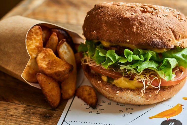 Hank-Burger-758x506