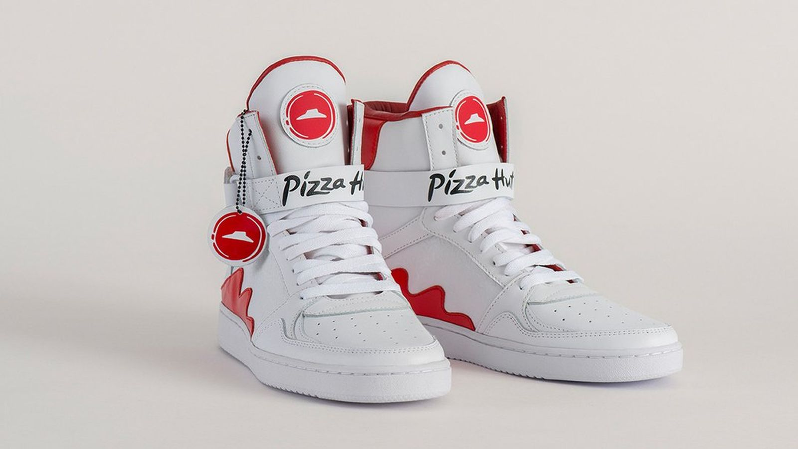 Pizza Hut lance des sneakers capables de commander une pizza