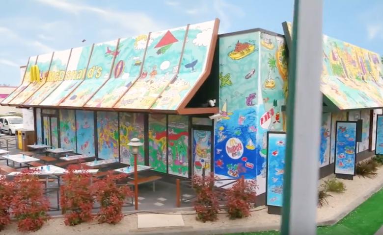 Coloriez la façade d'un McDonald's avec OMY